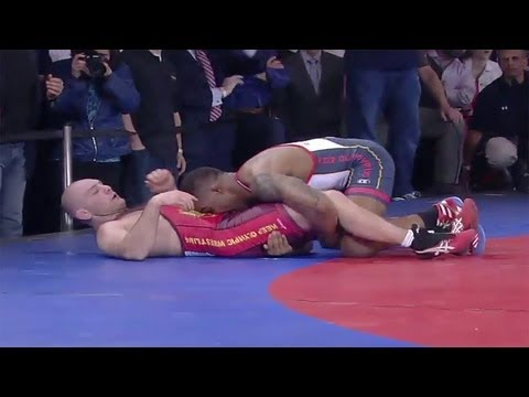 Jordan Burroughs wins 53rd match in Rumble - Universal Sports