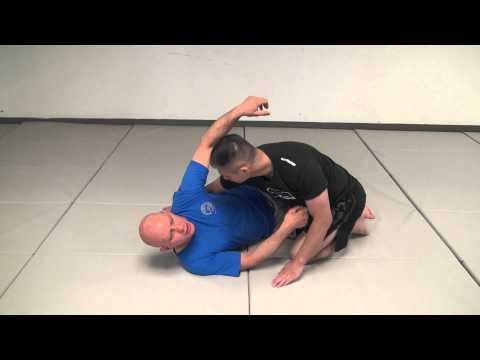 4 Mistakes That Kill Your Half Guard Image 1