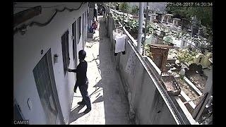 Trộm đột nhập phòng trọ lấy đồ đi ra như nhà mình