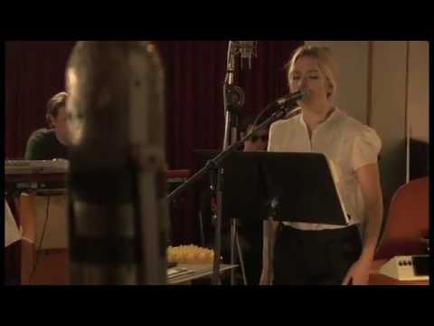 Scarlett Johansson - Anywhere I Lay My Head (Live)