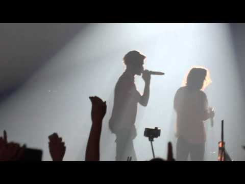 One Direction - Kiss  You - Otra 14-2-15 Melbourne Hd video