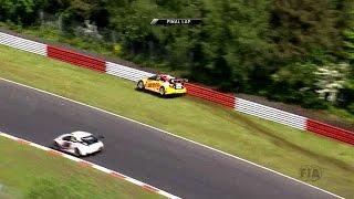 Gridgirl & High speed crash Nordschleife for Tom Coronel FIA WTCC 2016