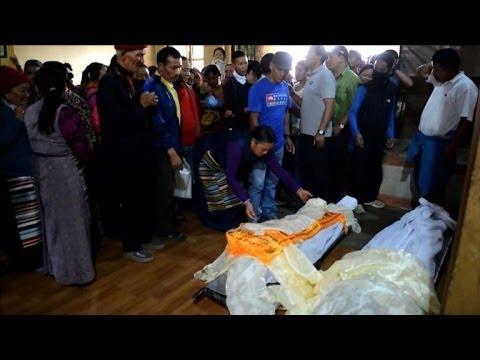 Avalanche sur l'Everest: 13 morts et trois disparus