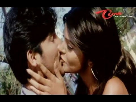 Boys Should Learn How To Kiss Hot Girls video