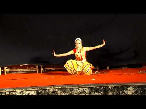 Bharatanatyam Dance performance by Shivaranjini Nair