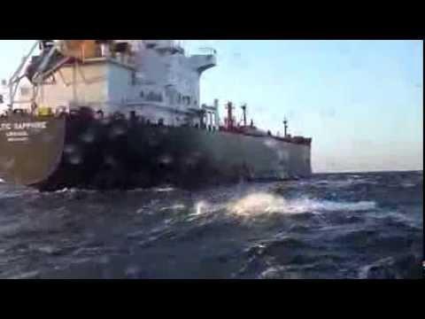 Tender Express langzij Baltic Sapphire