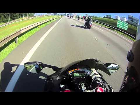 ZX-10R vs S1000RR on Top Speed Chase
