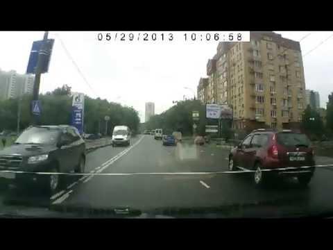 Авария на Фестивальной улице 29 05 2013