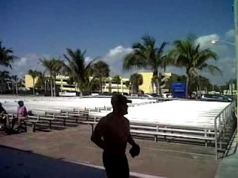 Hollywood Beach.3gp video
