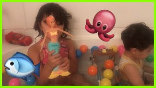 Kids Playing In The Bathtub Mermaid McQueen Car Toy Finding Dory