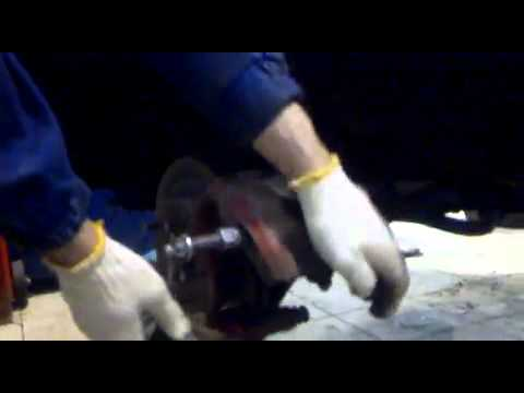 Замена передних колодок Honda CR-V. Видео!