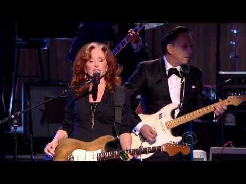 Bonnie Raitt, Tracy Chapman, Jeff Beck and Beth Hart - &quot;Sweet Home Chicago&quot;  (2012)