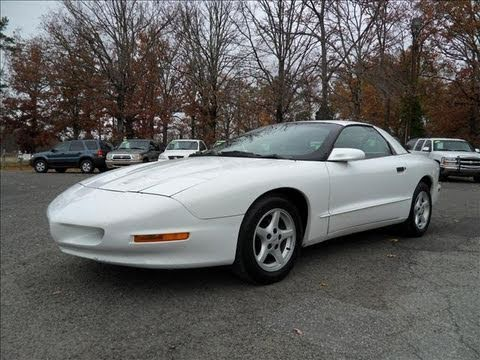 1996 Pontiac Firebird 3.8 5 spd Start Up. Exhaust. and In Depth Tour