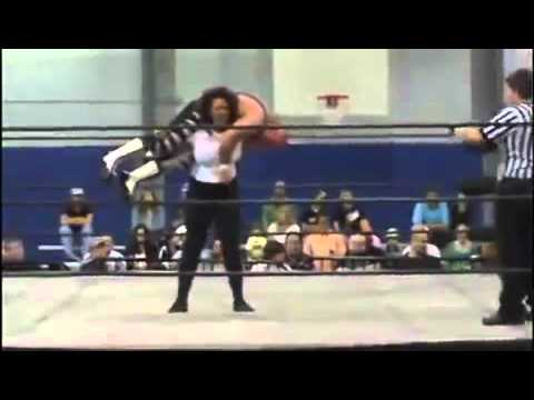 Strong Woman Lift And Carry Mixed Wrestling video