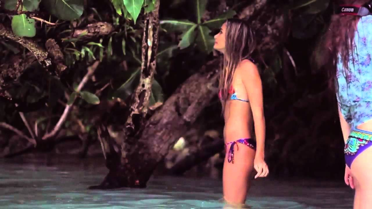 Bella Thorne And Zendaya Coleman Porn - Hot Girls Wallpaper