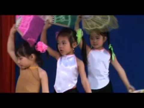 Múa theo làn điệu dân ca của trẻ mẫu giáo 5 tuổi