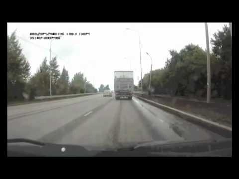 ДТП в Тюмени 30.07.2012 на Лесобазе [3 ВИДЕО, ФОТО]