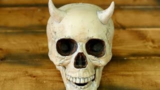HUMAN SKULL WITH HORNS!