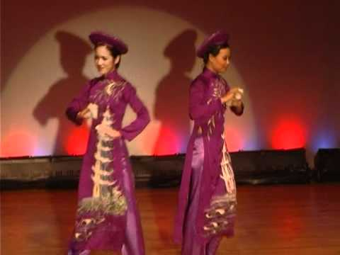 Fashion Show of Ethnic Minorities' Costumes - VPY09, Vietnam Night