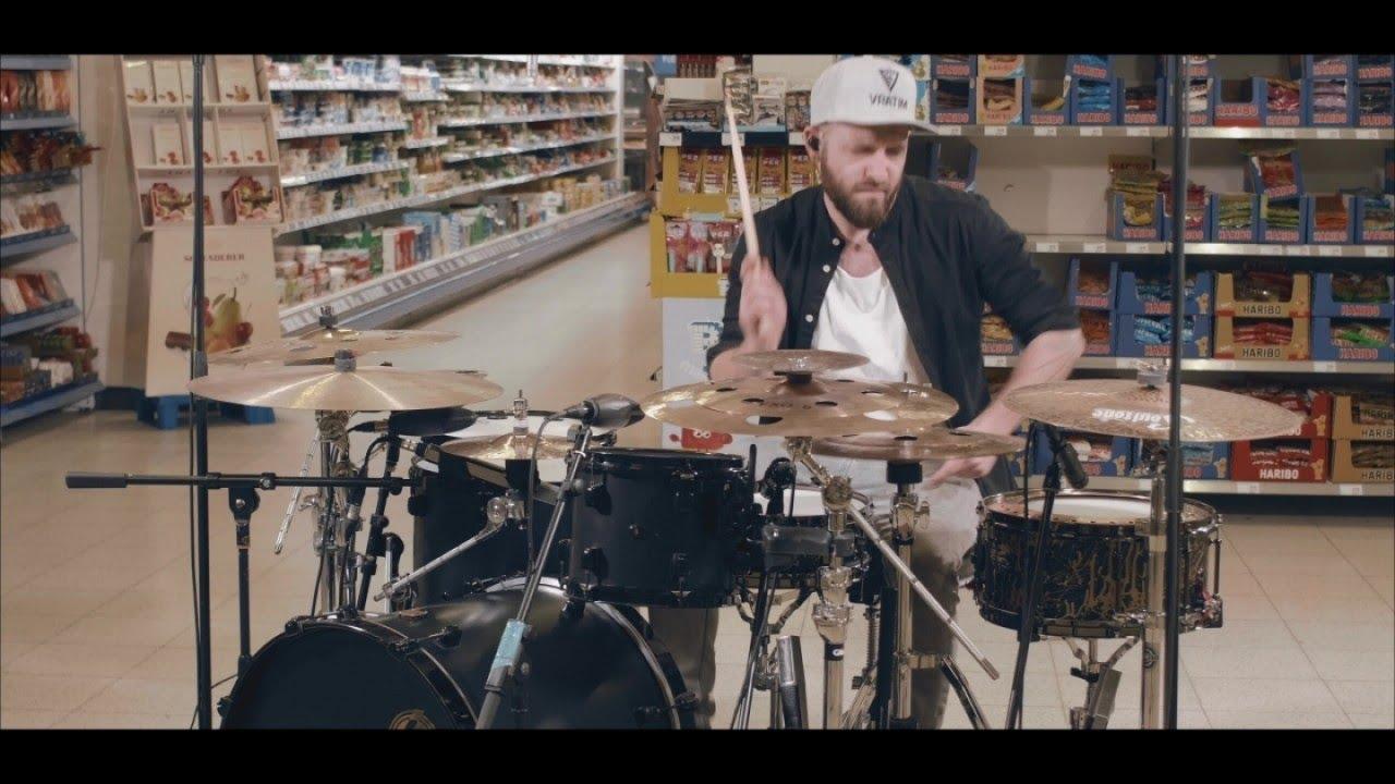 Dominik Scherer - DRUMMING MISHMASH @ a Supermarket