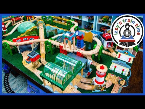 Thomas and Friends 4 WAY CHALLENGE WITH AUNT HOOD! Fun Toy Trains for Kids!