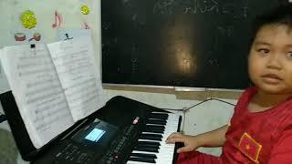 Liên khúc các bạn nhỏ nhất lớp nhạc đồ rê mí trình bày . ĐT: 0397.781.456
