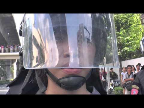 Bangkok (Thailande) 24-05-2014 Thai Riot Police SO SEXY