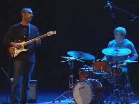 Ahmad Mansour Trio with Stomu Takeishi&Ted Poor - Geneva 2006
