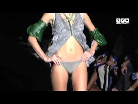 Sfilate beachwear PE 2012: Elisabetta Gregoraci e Elena Santarelli per Agogoa