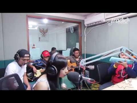 Angin Mamiri - Ten 2 Five di Indokustik Masih Sore Sore IRadio