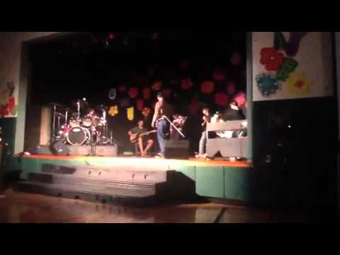 Woodland Hill Montessori School Band plays Crossroads - 06/06/2012