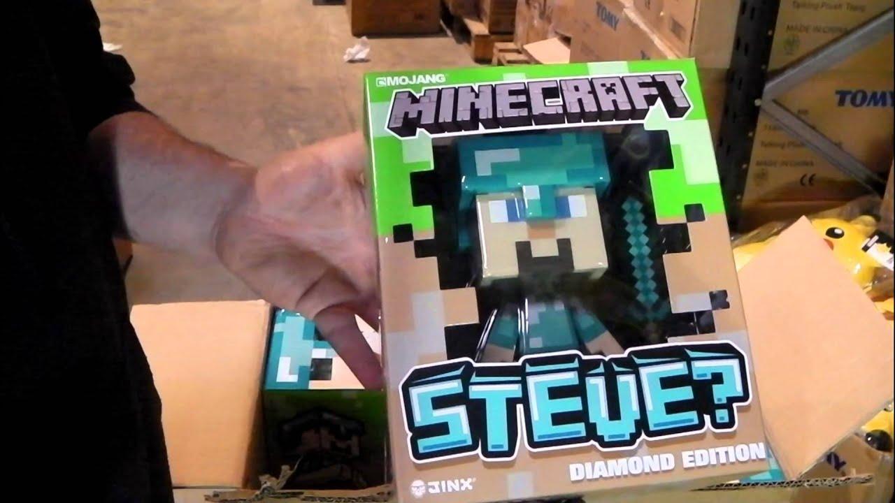 Diamond Steve Vinyl Figure