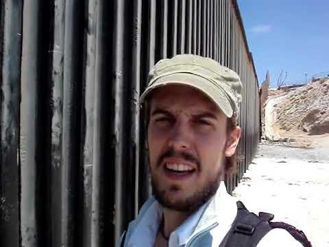 La valla de la frontera en Playas de Tijuana, MÉXICO
