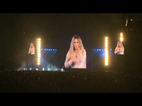 Beyoncé - Freedom (Live @ Stade de France, Paris - 21 juillet 2016)