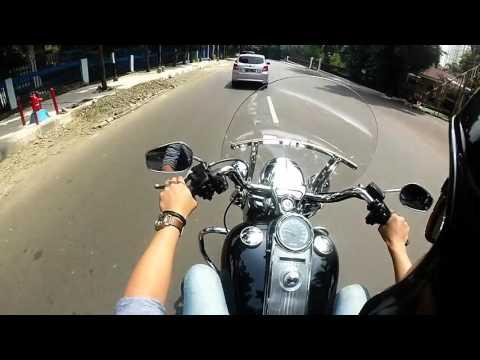 Nyoba Harley Davidson Roadking - Jakarta, Indonesia