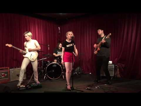 The Fontaines - Like A Stone [Live At Apogee]