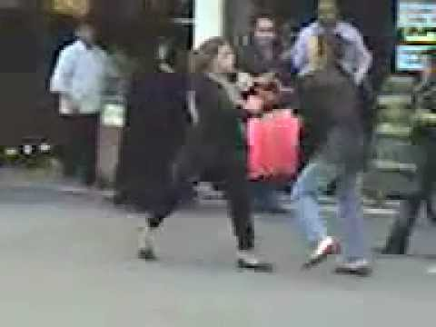 Girls Fighting In Quetta 2 - Youtube.flv video