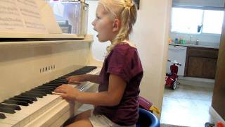 Alyssa Plays the Piano & Sings at 5 Years Old