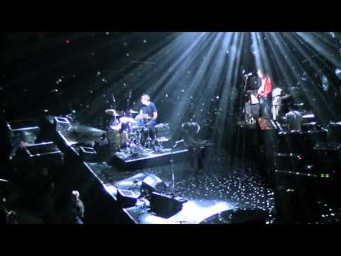 The Black Keys - Everlasting Light (Palacio de los Deportes, Madrid, 28-11-2012)