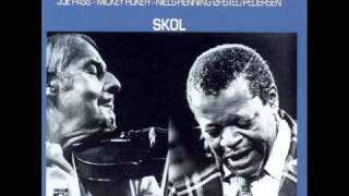 Oscar Peterson & Stephane Grappelli ft. Joe Pass - Nuages (live)