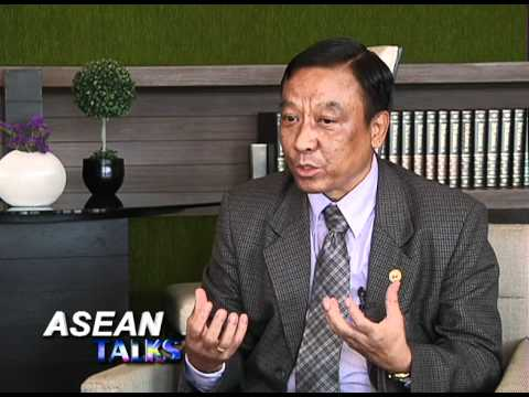 Myanmar's Hotels and Tourism Deputy Minister at MTF 2012 in ChiangRai
