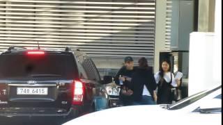 Rapper ONE leaving YG Entartainment building 160518