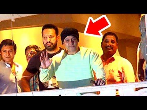 Salman Khan In Balcony Wishing EID Mubrak To Fans Outisde Galaxy Apartments
