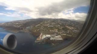 Landing on the most dangerous airport in the world / Madeira