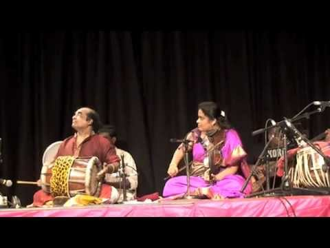 Jyotsna Srikanth With Padmashree Palanivel - Hindola Ragam & Pallavi video