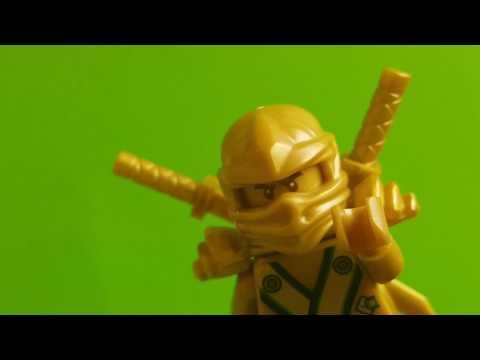 LLOYD z LEGO NINJAGO otwiera jajka niespodzianki od Angry Birds Bajki LEGO Ninjago
