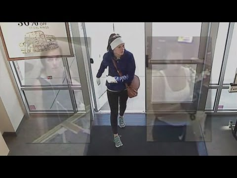 FBI releases new images of woman robbing 6 Southeast jewelry stores