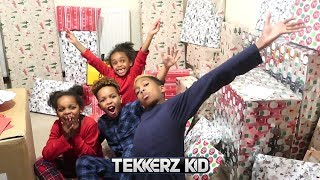 OPENING PRESENTS ON CHRISTMAS DAY!!