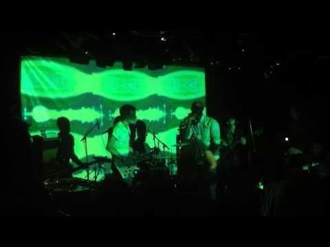 "Earthling ""I could just die LIVE"" le 04 novembre 2011 La Maroquinerie"