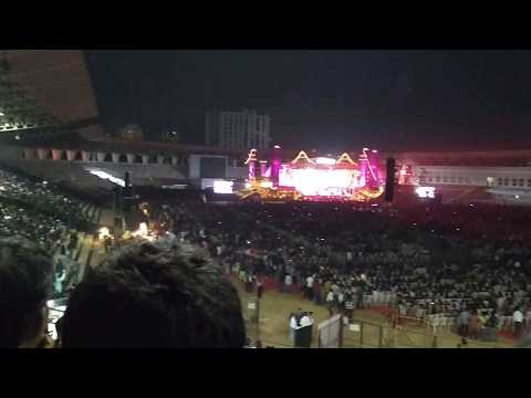 Crowd ROARED For Tere Bina - Guru By A R Rahman And His Band At Hyderabad Encore 2017